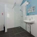 compleet ingerichte badkamer